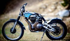 Tracker Motorcycle, Motorcycle Trailer, Moto Bike, Motorcycle Design, Bike Design, Bobber Custom, Custom Motorcycles, Custom Bikes, Honda Scrambler