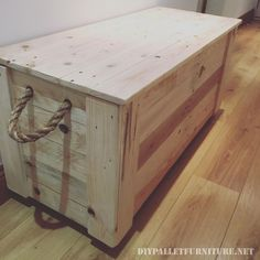 Created by Baz reel furniture here's this large trunk built with pallet planks.