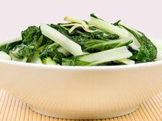 26 Amazingly Healthy Recipes: Baby Bok Choy and Shiitake Stir-Fry http://www.prevention.com/food/cook/26-amazingly-healthy-recipes?s=21&cm_mmc=Recipe-of-the-Day-_-1462132-_-10182013-_-Lighter-linguine-Get-Todays-Recipe