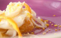 Ensalada de bacalao con naranja y cebolleta