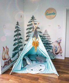 Naklejki na ścianę do pokoju dziecka to szybki i łatwy sposób na metamorfozę wnętrza. Sprawdź kolekcję Leśni Przyjaciele i poznaj urocze zwierzaki :)  zdjęcie: @haniamadewithlove Girl Room, Baby Room, Room Inspiration, Baby Kids, Toddler Bed, Furniture, Design, Home Decor, Baby Room Girls