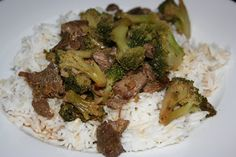 A Year of Slow Cooking: CrockPot Broccoli Beef--good but leave out the vinegar and thicken