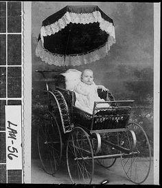 baby in carriage Vintage Children Photos, Vintage Photos, Vintage Stuff, Pram Stroller, Baby Strollers, Old Pictures, Old Photos, Vintage Pram, Vintage Stroller