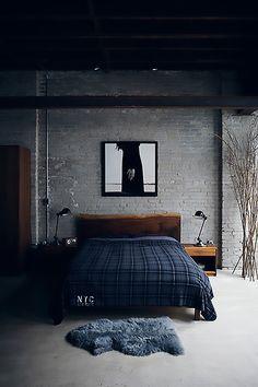 Oi pessu! Já vi vários apartamentos (de casais) com decorações lindas, porém muito femininas e isso me incomoda um pouco. Acho que a casa tem que ser a carinha dos dois <3 Amo roupas de cama florais e almofadas coloridas, mas no nosso quarto não vai ter nada disso. Antes de mostrar algumas imagens, quero …