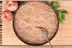 Knäckig äppelpaj med daim | Hannas bageri Fika, Something Sweet, Mashed Potatoes, Foodies, Biscuits, Cheesecake, Muffin, Food And Drink, Sweets