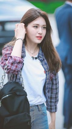 Jeon Somi ( 전소미 ) Best Photos Collection - The K-Pop Chart South Korean Girls, Korean Girl Groups, Korean Beauty, Asian Beauty, Get Skinny Legs, Jeon Somi, Fashion Models, Fashion Outfits, Ms Gs
