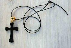 Kette mit Kreuz an goldener Hülse Recycling Venyl von Schlüter Kunst und Design - Stühle, Kommoden, Regale, Modeschmuck auf DaWanda.com