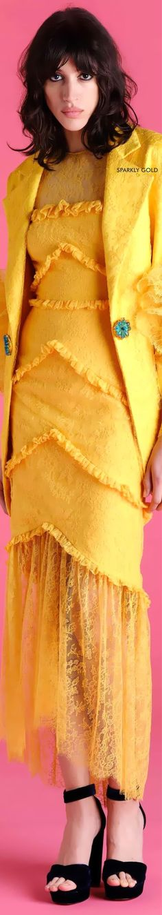 Fashion 2020, Fashion Brand, Fashion Today, Fashion Design, Emilio, Yellow Fashion, Shades Of Yellow, Fashion Labels, All About Fashion