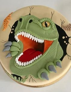 Dino Cake, Dinosaur Cake, Fondant Figures, Halloween Goodies, Cakes For Boys, Clay Crafts, Kids Meals, Food And Drink, Birthday