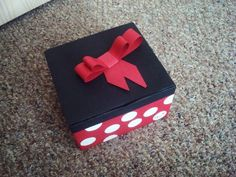 D.I.Y. Minnie Mouse gift box!