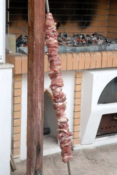 Greek Beauty, Barbecue, Sausage, Meat, Wood, Barrel Smoker, Woodwind Instrument, Sausages, Timber Wood