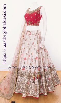 CHANIYA CHOLI 2019 Latest designer & custom-made Chaniya Choli's exclusively online.Browse our beautiful designer collection ! Available in the USA, Canada & Australia! Party Wear Indian Dresses, Indian Gowns Dresses, Indian Bridal Outfits, Indian Fashion Dresses, Dress Indian Style, Indian Designer Outfits, Indian Wear, Fashion Outfits, Bridal Lehenga Online