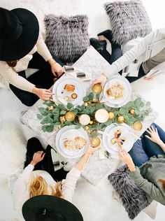 Image Via: Sarah Sherman Samuel | a Cozy Gift Exchange Brunch