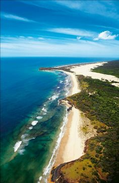 One of my favourite places in the whole world Fraser Island, Queensland, Australia Tasmania, Places Around The World, Around The Worlds, Australia Travel, Queensland Australia, Sand Island, National Parks Map, Fraser Island, Beautiful Beaches