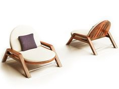 Confort et design, petits canapés de jardin en acajou, Anthony Logothetis