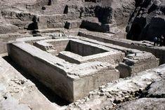 Estructura excavada del zigurat de Anu (Uruk IV milenio a.C.).