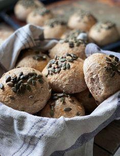 Rundstykker – Mat Til Familien Stuffed Mushrooms, Baking, Vegetables, Stuff Mushrooms, Bakken, Vegetable Recipes, Backen, Sweets, Veggies