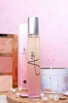 Check out a review of Arise oil fragrance with notes of jasmine flower, grapefruit, orange, Best Beauty Tips, Beauty Review, My Beauty, Beauty Hacks, Clean Perfume, Daily Makeup, Perfume Oils, Pure Essential Oils