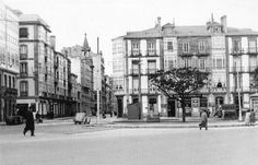 See 7 photos and 4 tips from 410 visitors to Praza de Ourense. Plaza, Old Pictures, Street View, Antiques, City, Portugal, Obelisks, Old Things, Old Photography