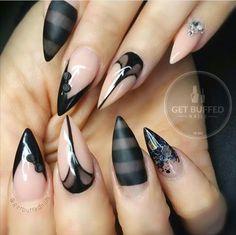 Black & nude