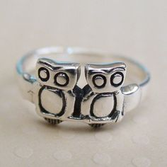 FashionJunkie4Life - Owl Ring - Sterling Silver, $16.00 (http://www.fashionjunkie4life.com/owlring/)