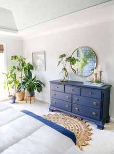home decor blue Midnight Blue Fusion Mineral Paint Dresser Makeover Navy Blue Furniture, Navy Blue Dresser, Navy Blue Bedrooms, Refurbished Furniture, Painted Furniture, Mineral Paint, Bedroom Decor, Master Bedroom, Midnight Blue