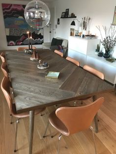 Sildeben anders Dining Room Table Decor, Dining Area, Living Room Kitchen, Living Room Decor, Refurbished Table, Finding A House, Home Furniture, Office Furniture, Interior