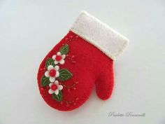Felt Mitten Pin ~ My Mamaw used to make this!Felt Mitten Pin by Beedeebabee on Etsy. Measures 2 long and just undercute idea for a pretty mitten felt ornamentFelt Mitten, sold as a pin, idea would also work as cookie decorationmitten felt ornament -m Christmas Sewing, Handmade Christmas, Christmas Crafts, Christmas Projects, Felt Crafts, Holiday Crafts, Felt Christmas Decorations, Felt Christmas Ornaments, Christmas Tree