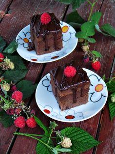 CAIETUL CU RETETE: Prajitura cu ciocolata si zmeura