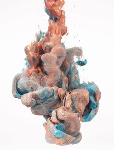 Albert Seveso is a veritable master when it comes to manipulating ink in water, and his new series Il Mattino ha l'oro in bocca, which we recently spotted over at Colossal, is no exception. These glittering photographs of ink expertly suspended in… Stunning Photography, Water Photography, Museum Photography, Photography Jobs, Photography Marketing, Photography Lighting, Photography Magazine, Outdoor Photography, Professional Photography