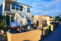 Incredibly located in the heart of Mission Beach, just steps to the relaxing bay and a block to the beach! Has got a patio with BBQ. #california #usa