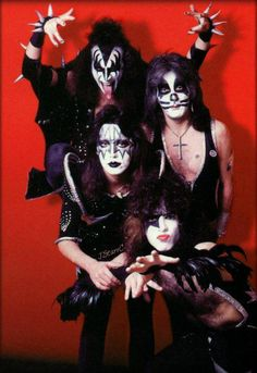 Getting around the Amsterdam Kiss Images, Kiss Pictures, Kiss Costume, Vinnie Vincent, Eric Carr, Vintage Kiss, Kiss Photo, Best Kisses, Kiss Band