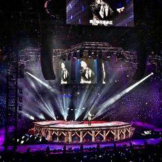 A Classic Tour / Show No 126-128 @ Shanghai =上海 22-24/12/2017 - 3 Shows Done🤘🏼🤘🏼🤘🏼 #brightvisualproject #aclassictour2016 #aclassictour2017 #jackycheung #jackycheungaclassictour #张学友aclassictour世界巡迴演唱会 #lighting #lightingdesign #lightingoperator #lightingprogrammer