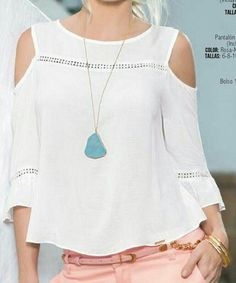 Like the blouse & necklace. Summer Outfits, Casual Outfits, Fashion Outfits, Womens Fashion, Mode Top, Mode Style, Refashion, Dress Patterns, Casual Chic