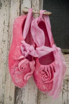 Women house shoes Women felted wool slippers by BureBureSlippers