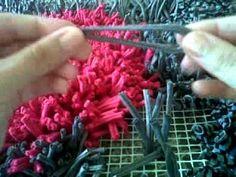 ▶ Cómo hacer una alfombra de trapillo muy fácil (totora, tirelas) - YouTube