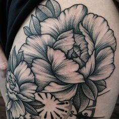 Love how fine/delicate the line work in the petals looks