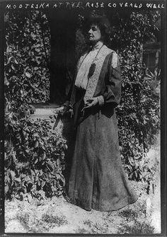 Helena Modjeska's rose covered well,homes,actresses,tragic,Shakespearean,c1909