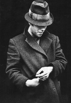 Tom Waits in London, 1981  (photographer unknown)the man knows how to wear a hat