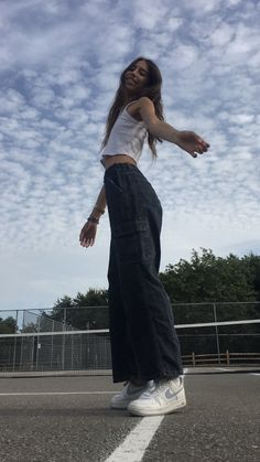 Glckliches mdchen happy girl kleidung und mode fashion vintage outfits falda pin by lulusimonstudio on fashion in 2019 brandy melville outfits outfits aesthetic clothes Skater Girl Outfits, Tomboy Outfits, Indie Outfits, Skater Girls, Cute Casual Outfits, Fashion Outfits, Swag Fashion, Fashion Ideas, Skater Girl Style