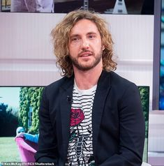 Twitter quitter: Seann Walsh has announced that he's quit Twitter, as he lashed out at trolls for making his life 'absolute hell' over the last two years. Pictured in 2018 He Has A Girlfriend, Strictly Come Dancing, Master Bedroom, Twitter, Life, Art, Fashion, Master Suite, Art Background
