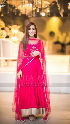 Iqra Aziz dresses are finest and lavish. All the dresses are stitched and picked in order to every event. Western styles are mostly in her closet. Pakistani Fashion Party Wear, Pakistani Dresses Casual, Pakistani Wedding Outfits, Pakistani Dress Design, Indian Fashion, Women's Fashion, Indian Attire, Indian Outfits, Indian Dresses