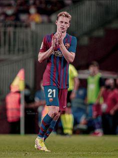 Football Boys, Football Players, Soccer Backgrounds, Lionel Messi, Fc Barcelona, Arsenal, Baseball Cards, Running, Soccer Stuff