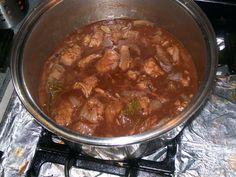 Estofado de Puerco Con Chocolate (Spanish Pork Stew with Chocolate) Spanish Pork, Mexican Mole, Mole Sauce, Pork Stew, Chocolate, Beef, Dishes, Ethnic Recipes, Food