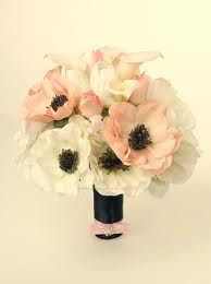 anemonies! I love them! They will be in my wedding:)