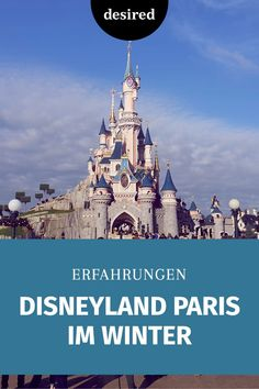 Einmal ins Disneyland Paris: Das ist nicht nur ein Traum für Kinder, auch für Erwachsene kann der Aufenthalt magisch sein. Auch im Winter! Hier kommen unsere Erfahrungen.  #disneyland #traumreisen #winter #reisen Disneyland Paris, Wanderlust, Winter, Liberty, Germany, Blog, Travel, Christmas Music, Christmas Carols Songs