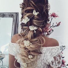 65 New Romantic Long Bridal Wedding Hairstyles to Try Ulyana Aster lange Hochzeitsfrisuren & Hochsteckfrisuren 11 / www. Wedding Hairstyles For Long Hair, Bride Hairstyles, Pretty Hairstyles, Wedding Hairdos, Bridesmaid Hair, Prom Hair, Romantic Wedding Hair, Dream Wedding, Wedding Dress