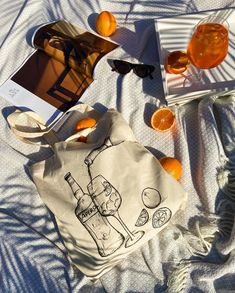 Floral Tote Bags, Picnic Ideas, Branding Materials, Tea Art, Product Photography, Streetwear Fashion, Instagram Feed, Lightning, Totes