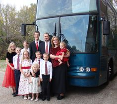 Paul & Abigail Miller, with 9 of their 10 children. Singing for & about the Lord across America.