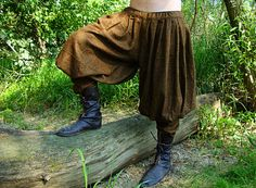 Early medieval Viking baggy trousers / baggy pants - pasbyxor. Trousers are known from runestones in Gotland, also during excavations in the